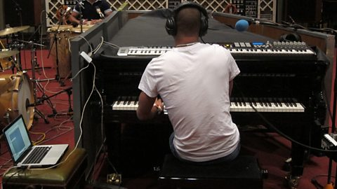 Image for Listen to Roberto Fonseca in session