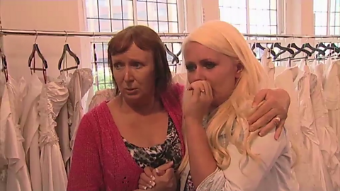 Image for Sarah's tearful dress reveal