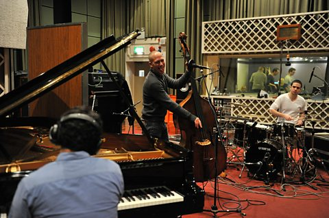 Avishai Cohen In Session