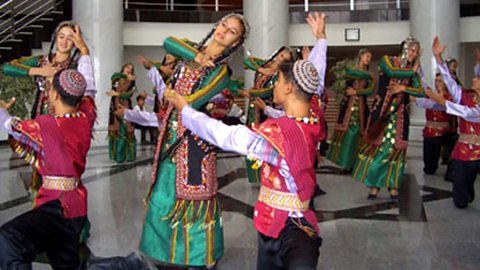 Folk dancing at the Rukhabat District Department of Culture
