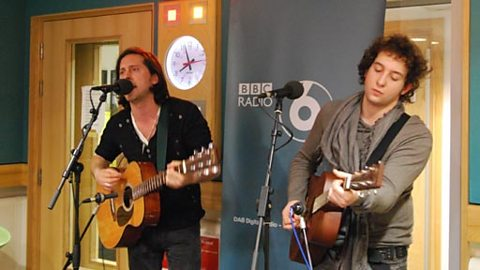 Carl Barat and brother Ollie join us in the studio