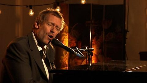 Hugh performing tracks from his album 'Let Them Talk'.