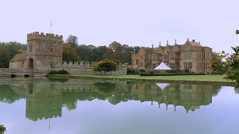 Photo: Broughton Castle