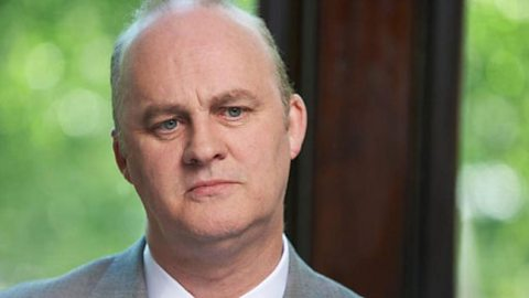 Stephen Fisher (Tim McInnerny)