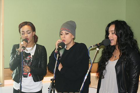 Stooshe live in session