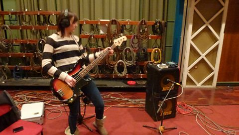 Dani Wilde in session
