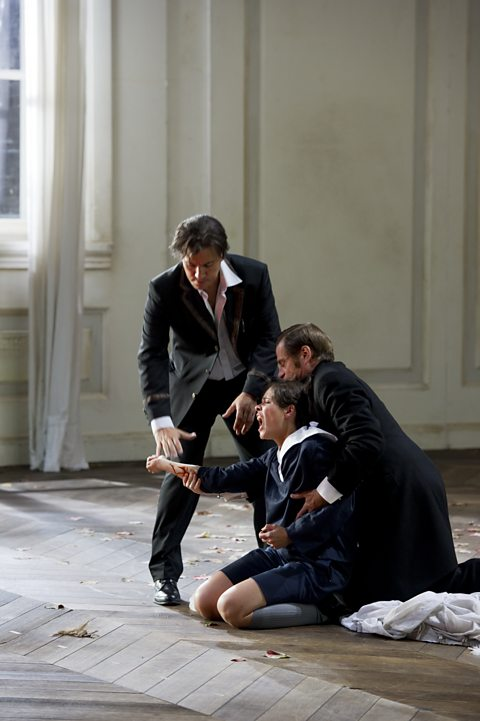 Erwin Schrott (Figaro), Katija Dragojevic (Cherubino), Simon Keenlyside (Il Conte Almaviva)