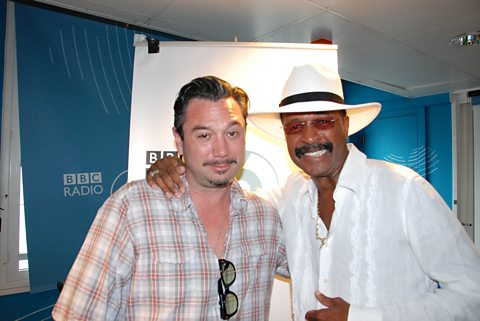 Future guests take note, Larry Graham shows you how to dress!
