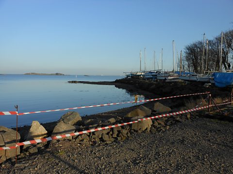 A section of beach cordoned off at Dalgety Bay