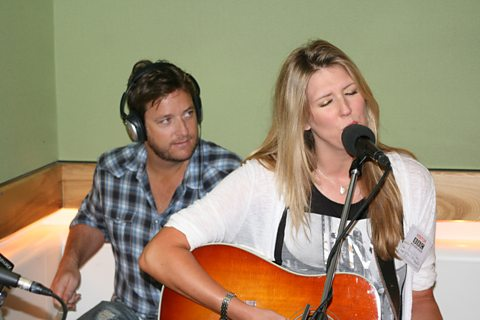 Honey Ryder live in session