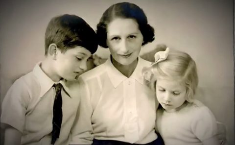 Vera Brittain with son and daughter. Image from http://www.bbc.co.uk/guides/zptgq6f