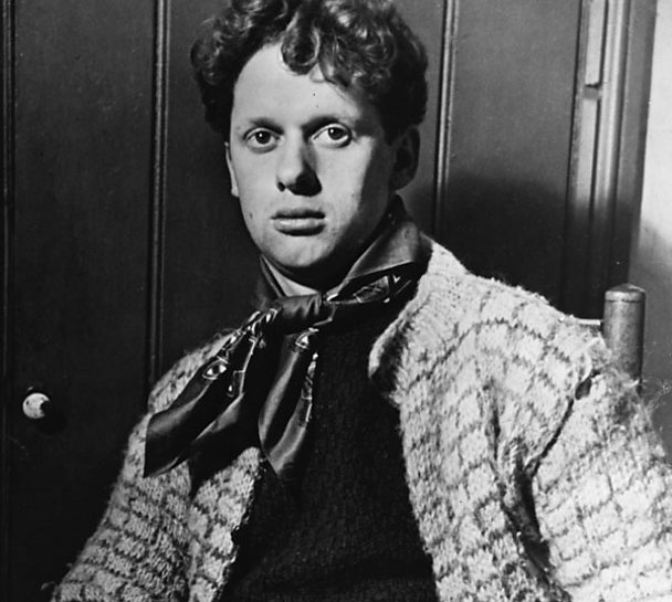 Dylan Thomas pictured in 1944