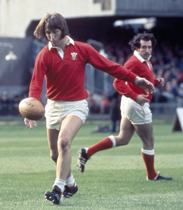 JPR Williams (left) and Gareth Edwards of Wales in action against Argentina in 1976.