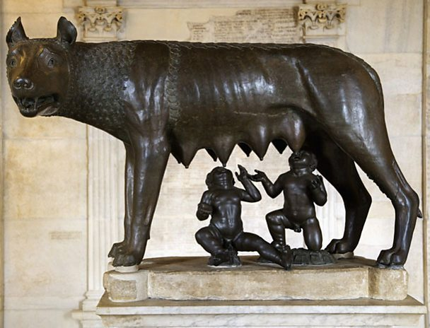 Romulus and Remus and wolf statue.