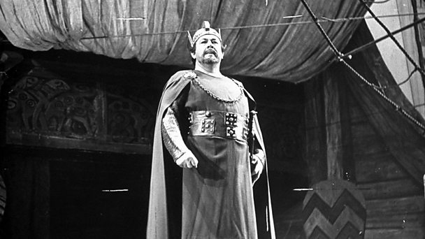 Heldentenor Lauritz Melchior on stage at the Metropolitan Opera House