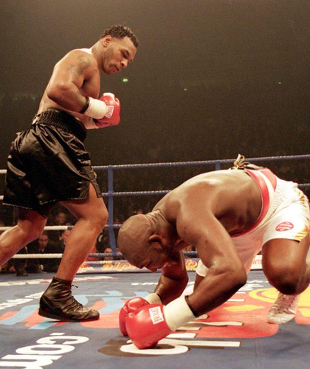 Mike Tyson knocks out British boxer Julius Francis