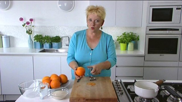 Apple Cake Recipe Uk Bbc: Apple Sauce