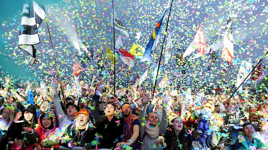 Lose yourself in Glastonbury 2016! Videos, photos and articles