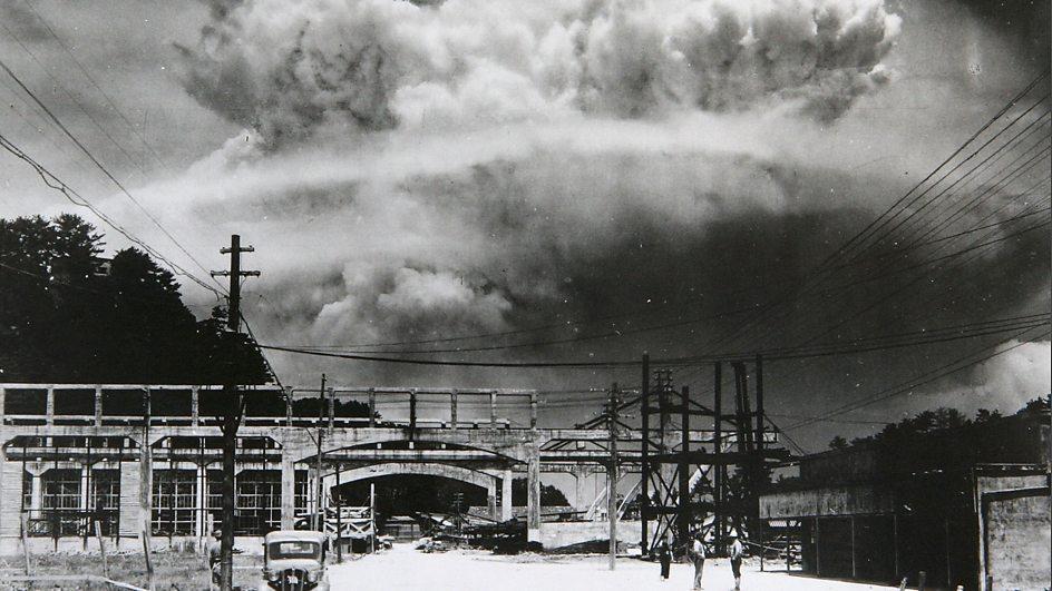 nuclear droppings on hiroshima and nagasaki essay