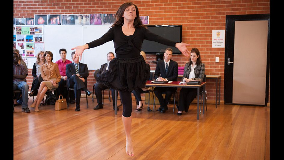 Ja'mie finds it hard to concentrate on her dance assessment after ...