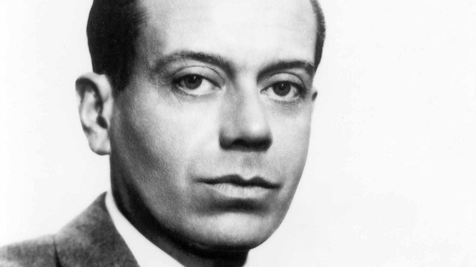 a biography of cole porter an american composer and lyricist There have been many books written about porter, but william mcbrien's cole porter: a biography (knopf: ny, 1998) deserves special credit for taking a frank yet responsible look at this brilliant composer's complex personal life.