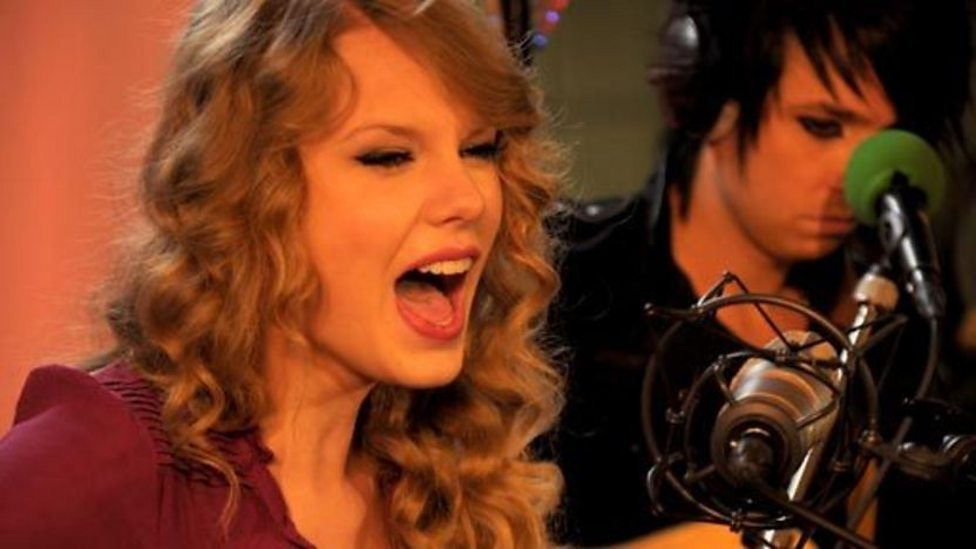 BBC Radio 2 - Simon Mayo Drivetime, 20/10/2010, Taylor Swift ...