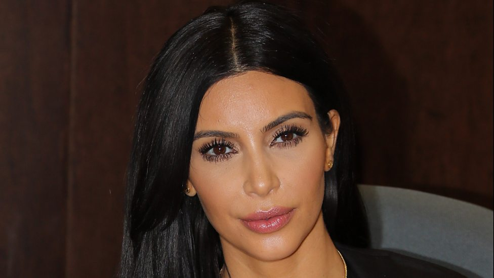 Young Kim Kardashian Photos Loading player