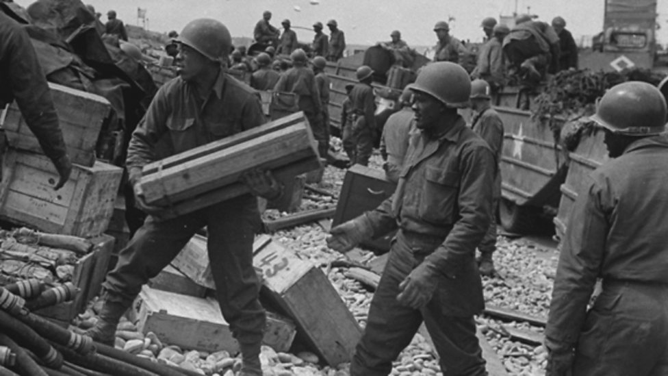 Supplies D-Day iWonder guide gallery