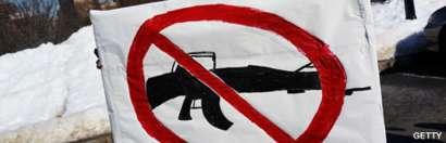 Pancarta de manifestantes anti-armamentistas