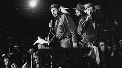Castro se dirige a sus simpatizantes en enero de 1959