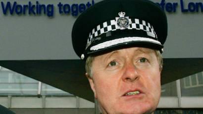 O ex-comissário da Scotland Yard, Ian Blair