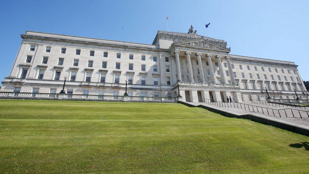ni assembly Assembly: northern ireland (part of the united kingdom) has a unicameral assembly with 90 seats  officially, the prime minister of the united kingdom is the head.