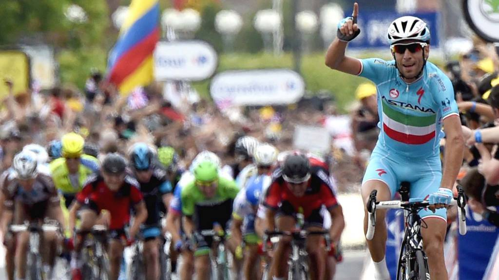 Vincenzo Nibali wins second stage
