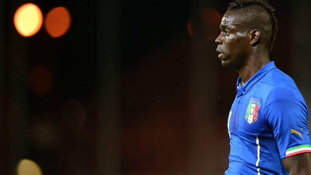 Mario Balotelli agrees a deal with Liverpool