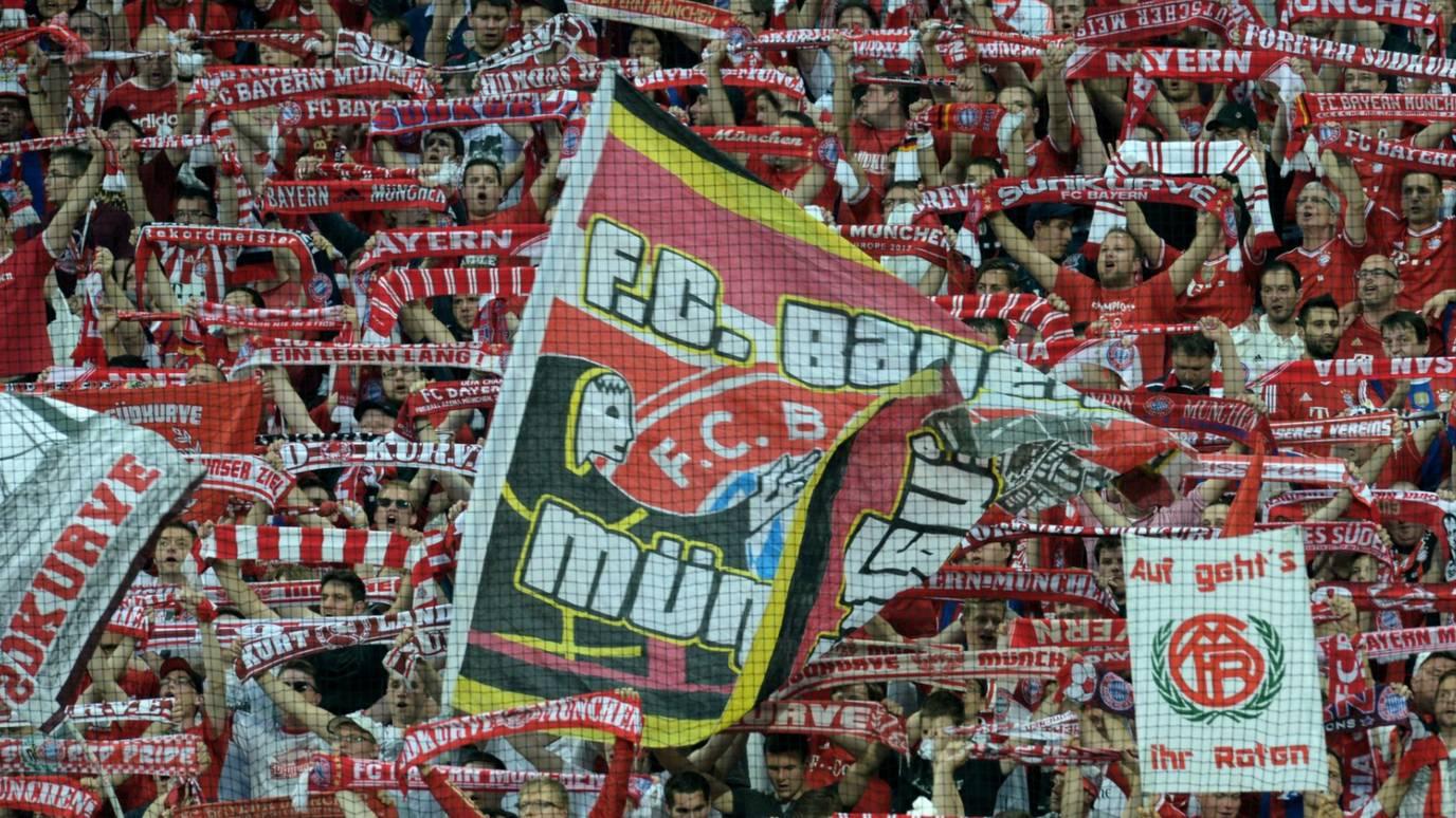 _82948942_fans_flags_getty.jpg