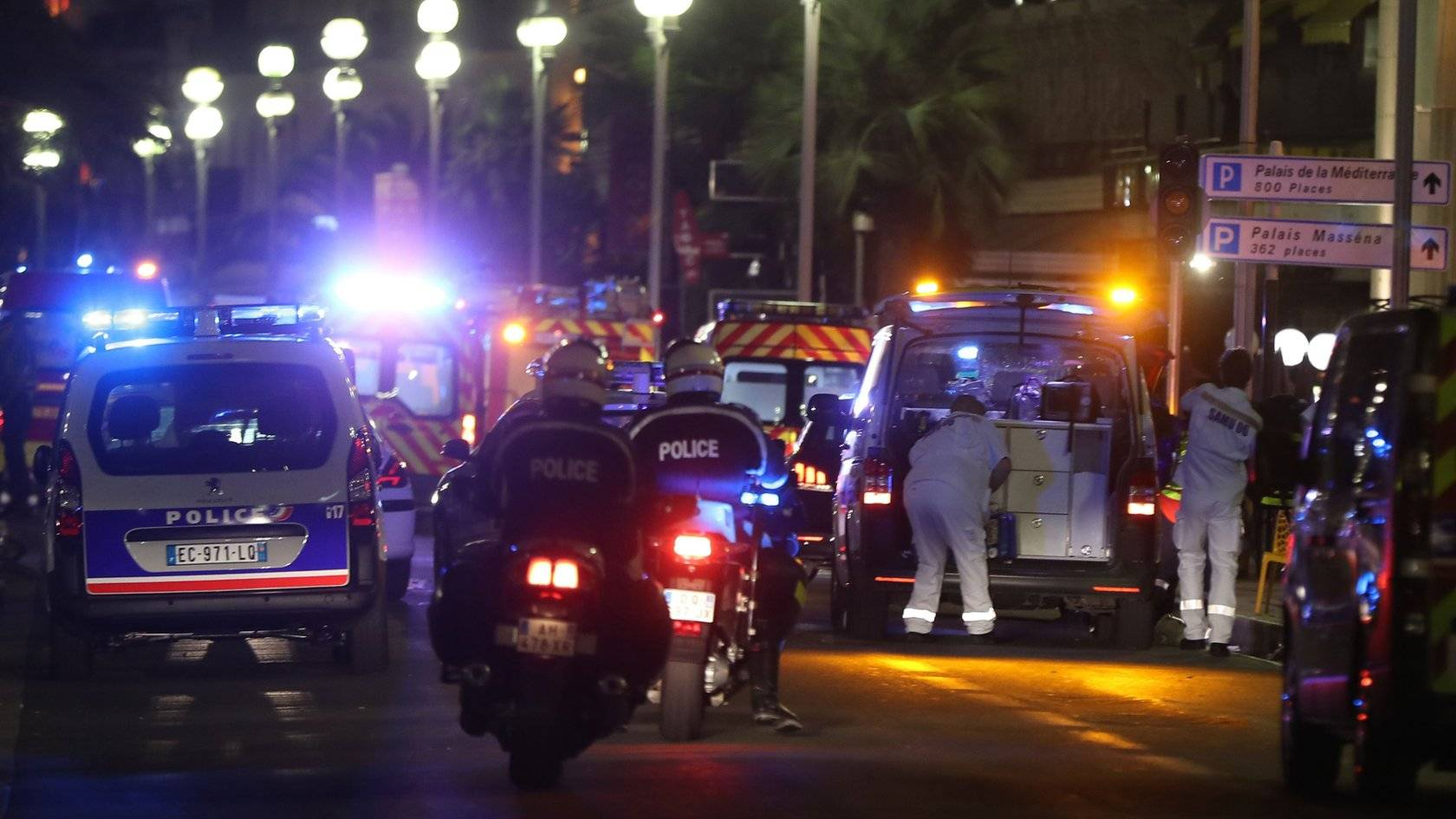Nice attack: Dozens killed during Bastille Day celebrations - BBC News
