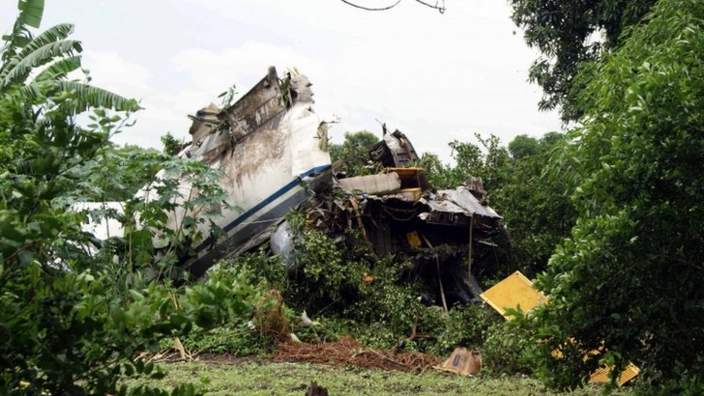 A general view of the site of a cargo plane crash close to the International Airport in Juba, South Sudan, 04 October 2015
