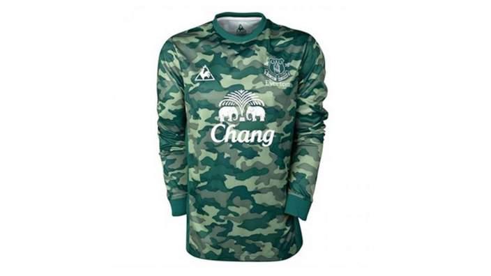 Everton kit 2011