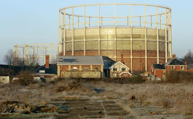 Gasometer on brownfield land, Bath, UK