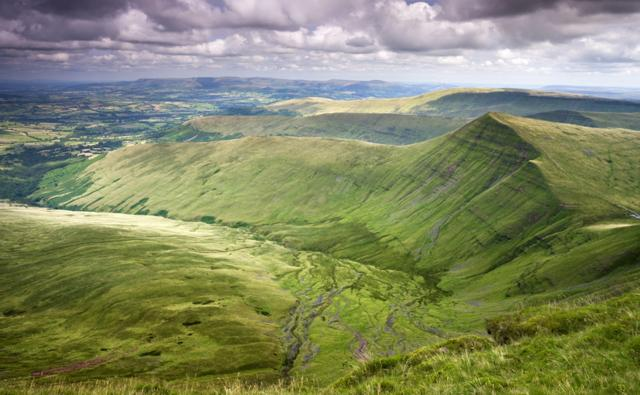 Cribyn viewed from Pen-y-Fan, the highest mountain in the Brecon Beacons National Park, Powys, Wales, United Kingdom.
