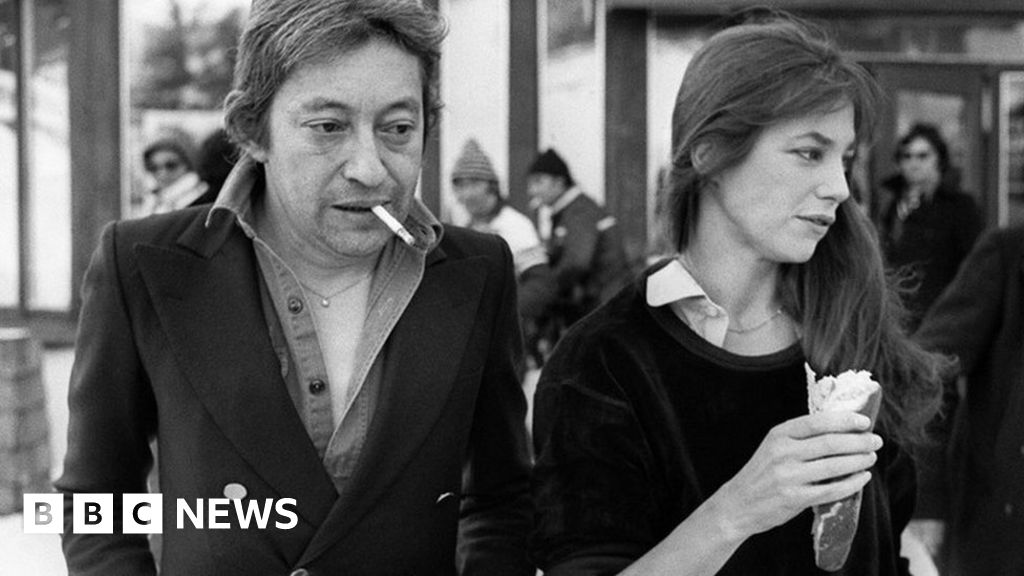 One million French smokers quit in a year: France has seen a sharp fall in the number of people smoking daily, with one million fewer lighting up from 2016-2017, a survey suggests. Such a drop has not been seen in a decade.