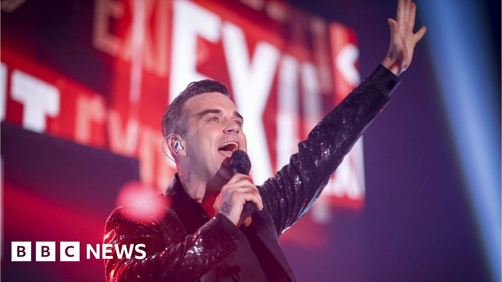 Robbie Williams to kick off World Cup