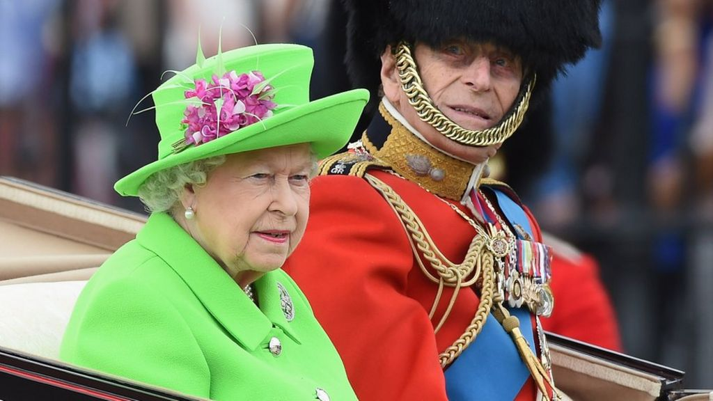 Queen's 90th birthday is marked at Trooping the Colour ...