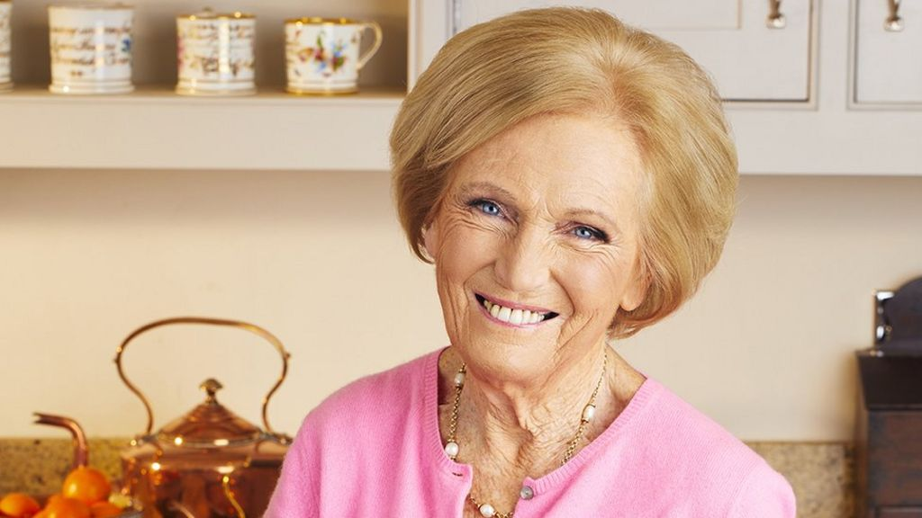 Mary berry 39 stands by 39 paul hollywood after bake off move for Mary berry uk