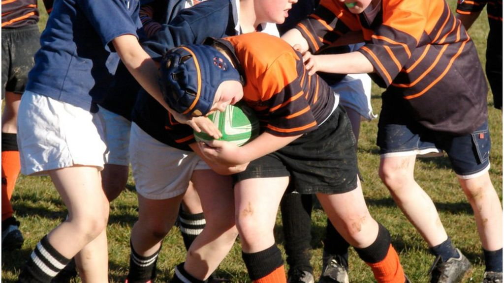 Schools urged to ban tackling in rugby