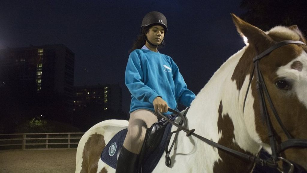 London's inner city riding school - BBC News