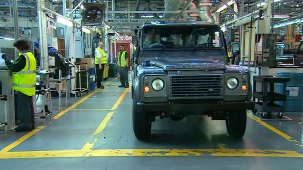 Land Rover Defender Solihull production ends - BBC News
