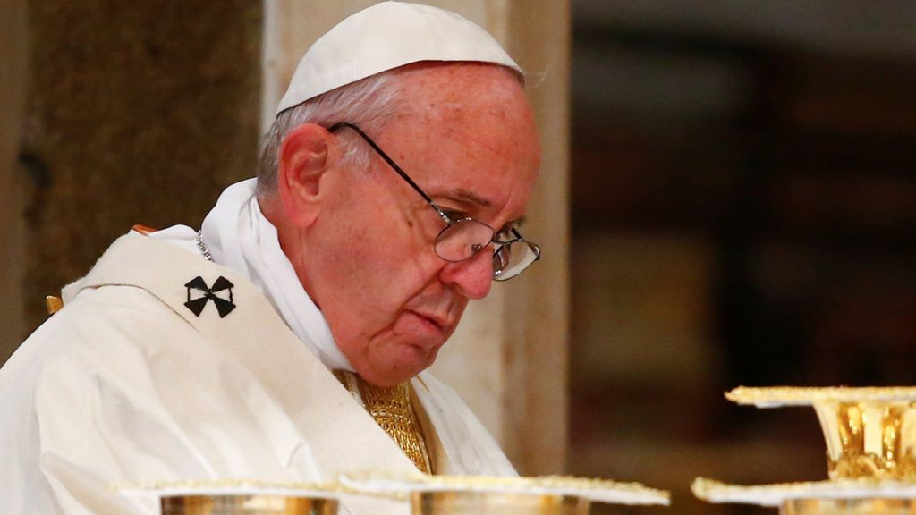 Pope Francis has warned against a rise in populism and the dangers of allowing political crises to usher in dictators like Hitler.