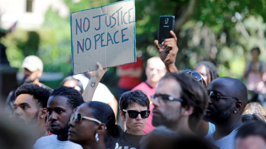 US police shootings of black men 'deeply troubling' - Obama