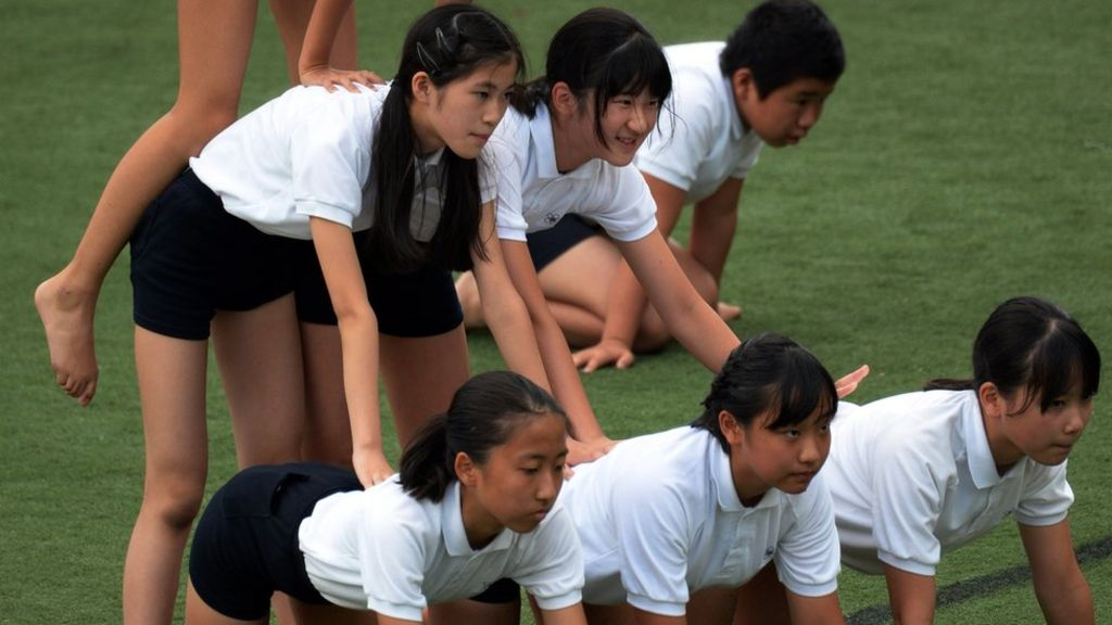 New rules for human pyramids in Japanese schools - BBC News